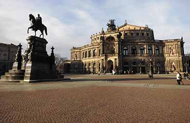 Semperoper am Tag